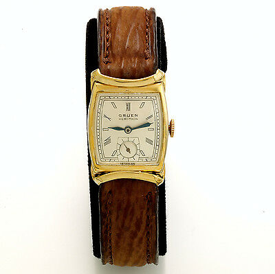 Vintage Gruen Verithin Wristwatch With Unusual Lugs & Sharkskin Band CA1940s