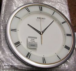 SEIKO NEW SILVER TONE 12.25 ROUND  WALL CLOCK WITH QUIET SWEEP QXA683SLH