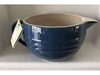 Le Creuset Stoneware Mixing Jug and Utensil Holder - Brand New
