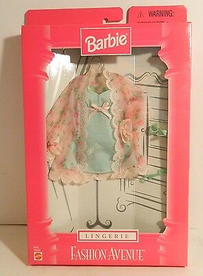 1998 BARBIE FASHION AVENUE LINGERIE OUTFIT NIB 18902