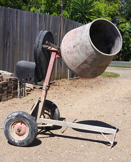 Cement mixer for hire - $30 per day - Sunshine Coast area. Woombye Maroochydore Area Preview