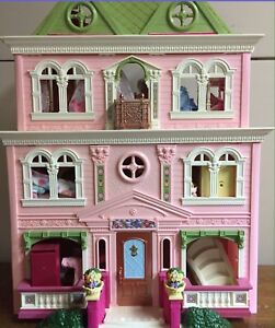 Wanted: this exact fisher price dollhouse
