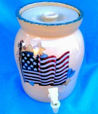 NICE STONEWARE CROCK WATER DRINK DISPENSER with Lid Home Garden Party Patriotic! ()