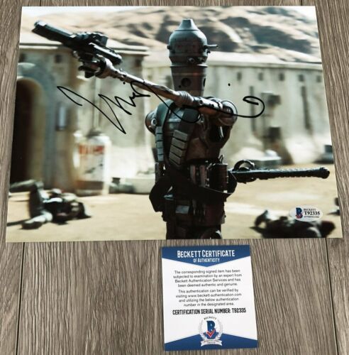 TAIKA WAITITI SIGNED STAR WARS THE MANDALORIAN 8x10 PHOTO w/ BECKETT BAS COA