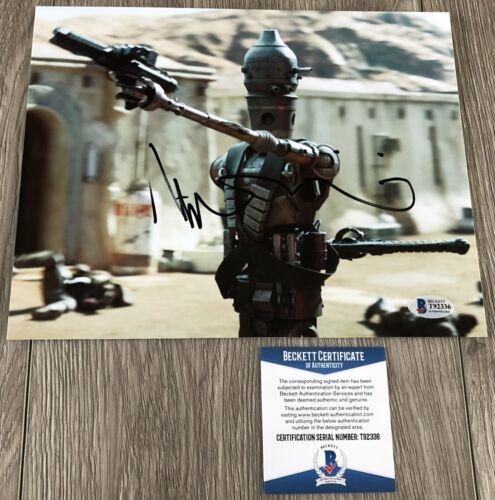 TAIKA WAITITI SIGNED STAR WARS THE MANDALORIAN 8x10 PHOTO w/ BAS BECKETT COA