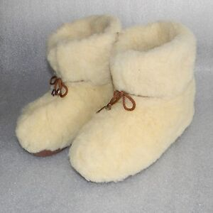 New-100-Natural-Sheepskin-SHEEP-WOOL-SLIPPERS-Warm-BOOTY-All-US-Womens-sizes