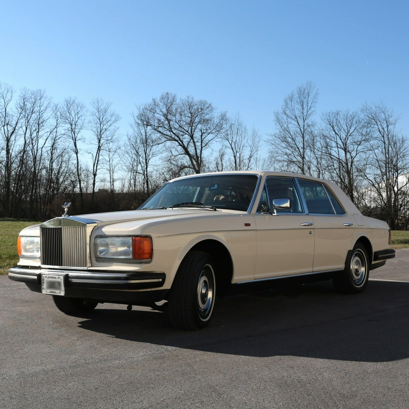 1983 Rolls-Royce Silver Spirit/Spur/Dawn  Rolls Royce Spirit 1983 - V-8 412 engine, cream exterior, leather seats