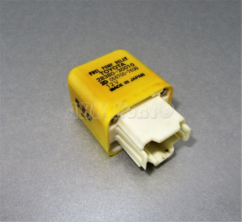 585-Toyota & Lexus 4-Pin Fuel Pump Yellow Relay 28380-30010 Denso ND 056700-7630