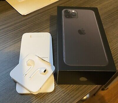 Apple iPhone 11 Pro / 256GB / Space Gray / Unlocked (Great condition)