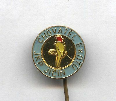 pin badge CZECHOSLOVAKIA Breeder of exotic birds club parrot RARE