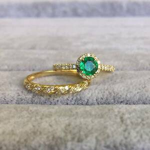 18K YELLOW GOLD AND NATURAL COLOMBIAN EMERALD WEDDING SET Perth Perth City Area Preview
