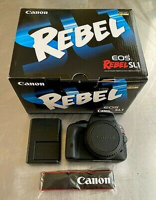 Canon EOS Rebel SL1 / 100D - Body + Accessories (Black)