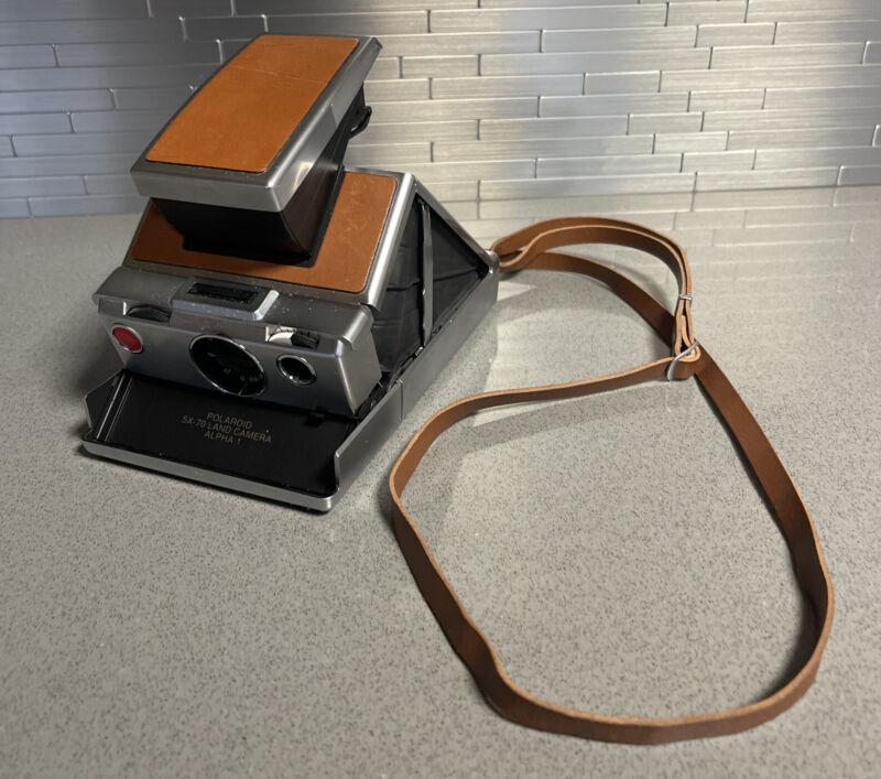 Polaroid SX-70 Land Camera Alpha 1 Clean Untested