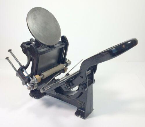 "3""x5"" antique Kelsey printing press"