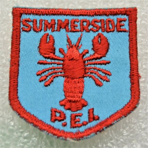 SUMMERSIDE DISTRICT Red Lettering No Feelers on Lobster Boy Scout Badge (PES1D)