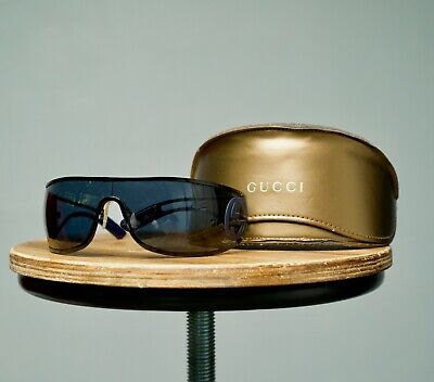 Vintage Gucci Dark Shaded Solid Black Plated Unisex Sunglasses Side Logo GG