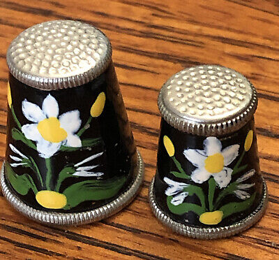 Thimbles 2 Metal White Flower made in Austria Mother And daughter Size