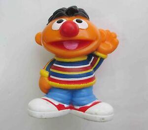 Sesame-Street-ERNIE-Hasbro-Figure-PVC-LOOSE-OLD