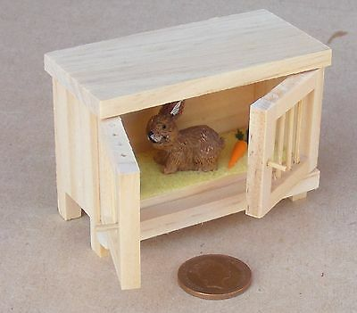 1:12 Scale Natural Finish Wooden Hutch & Rabbit Dolls House Garden Pet Accessory