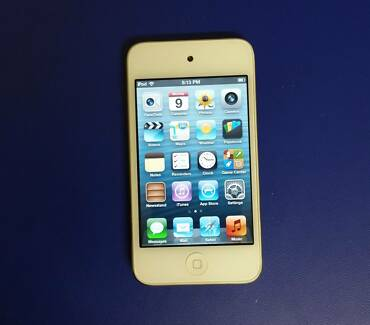 White 16GB 4th Gen, iPod Touch and Lennox iPod Dock
