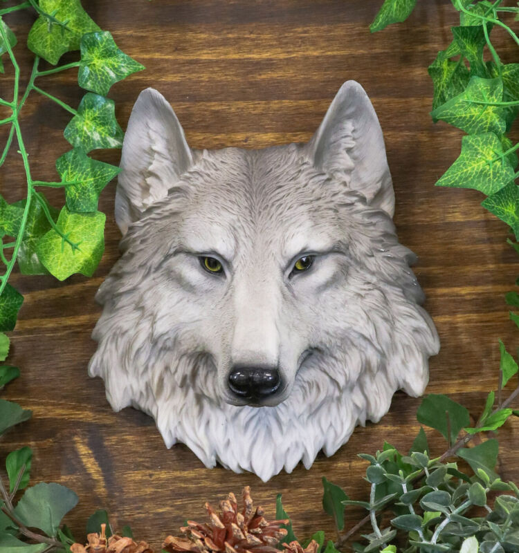 "Grey Timber Wolf Wall Plaque Hanging Figurine Home Decor Plaque Medium 8.5""h"
