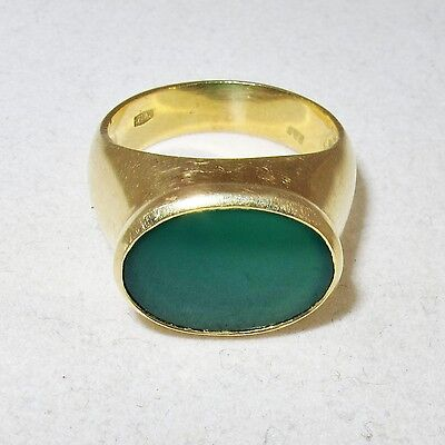Chalcedony Gold Ring - 18K Yellow Gold Unisex Ring with Green Chalcedony / Chrysoprase  (9g, size 8.75)