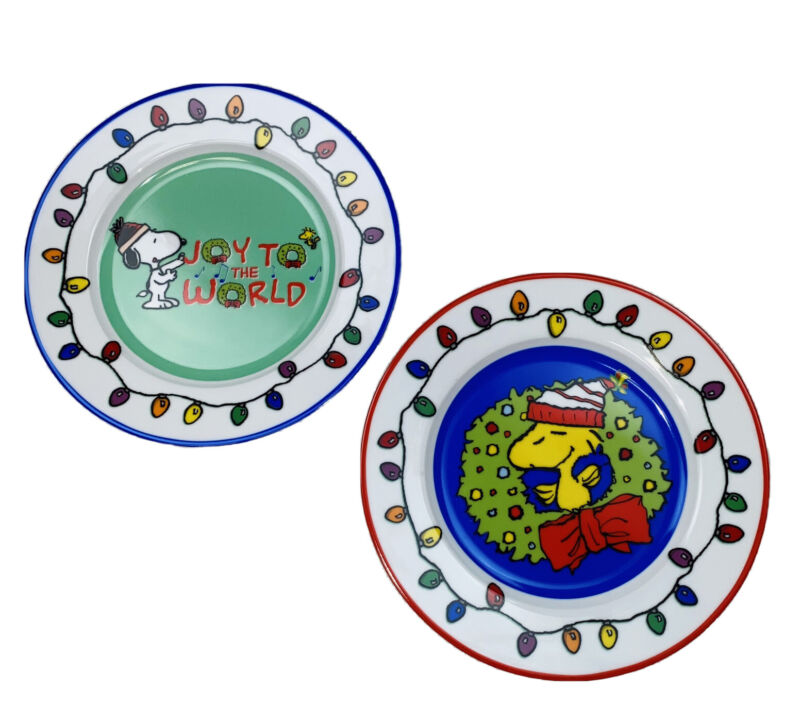 PEANUTS SNOOPY WOODSTOCK CHRISTMAS PLATES SET OF 2 GIBSON OVERSEAS INC NEW