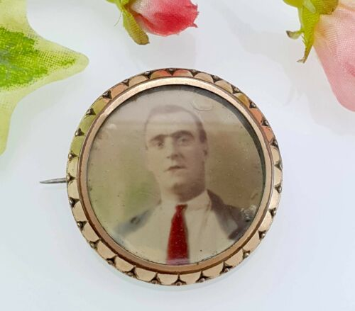 Antique Vintage Round Rolled Gold Photo Brooch