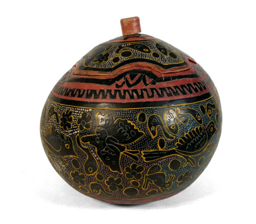 OLD VINTAGE DECORATED MEXICAN GOURD BOX LACQUERED CARVED OLINALA GUERRERO MEXICO