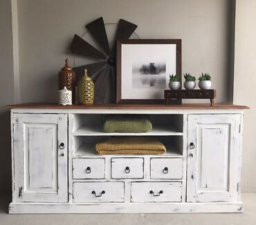 TV Unit / Buffet - Must See