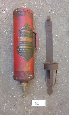 Type G 1 Gallon Minimax Vintage Fire Extinguisher and Bracket (5L)