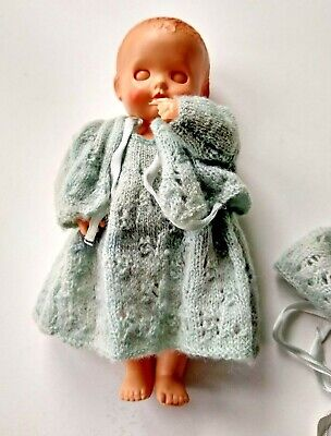 Vintage PEDIGREE DELITE Suck a Thumb Baby DOLL 6.5 Inch in 3 ply Knitted clothes