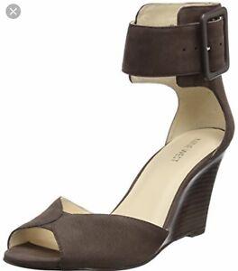 Nine West sandales noires 5.5 fait comme un 6 ou 35.5 EUR