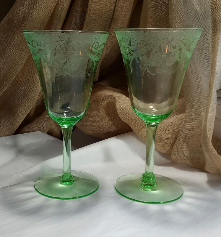 Pr. Vintage Green Depression Glass Wine Glasses Exquisite Etched Design