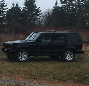2000 jeep Cherokee for parts or repair