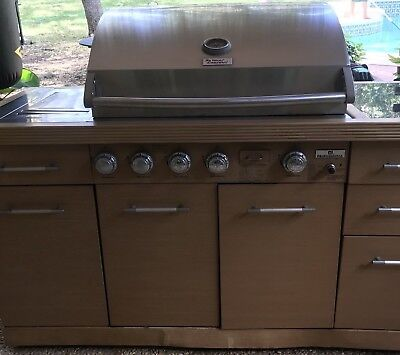 Grill Gas Gourmet Stucco Island 3-Burner Propane Outdoor BBQ BQ06042-1