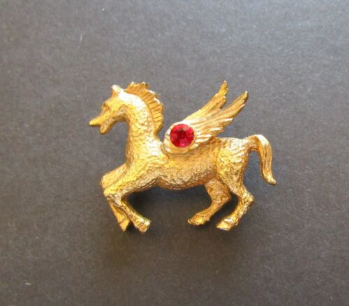 Vintage Gold Color Pegasus Flying Horse Brooch Pin with Ruby Color Rhinestone