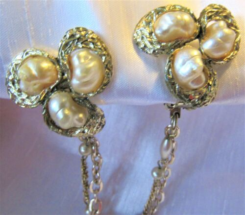 Vintage Faux Baroque Pearls & Gold Tone Sweater Dress Scarf Guard Clip