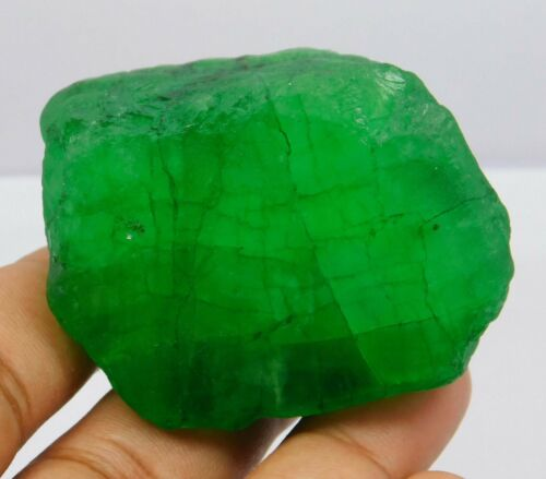 Natural 564.40 Ct Colombian Green Emerald Rough Loose Gemstone