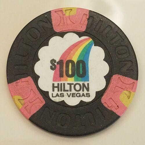 RARE HILTON LAS VEGAS $100 BLACK RAINBOW  CASINO CHIP 1992 SU (N4739)