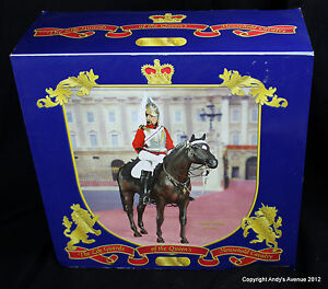 BREYER-3368-The-Life-Guards-of-the-Queens-Household-Cavalry-NEW-in-BOX