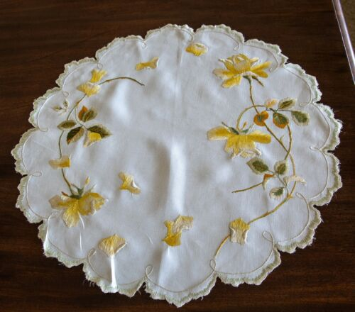 """Antique Royal Society Silk 20"""" Embroidered Rose Doily"""