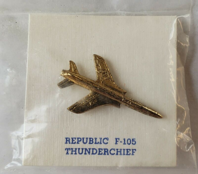 F-105 Thunderchief Republic Hat Lapel Pin - USA Air Force. New