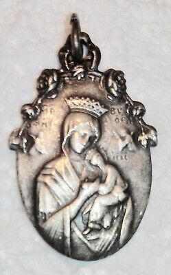 Medal Religious Antique, Heart of Jesus,Virgin to L Child, No. 105