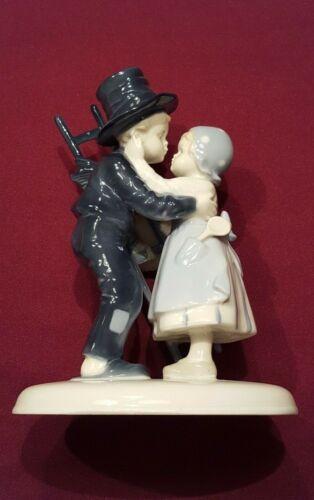 Metzler and Ortloff German Porcelain Figurine #7213