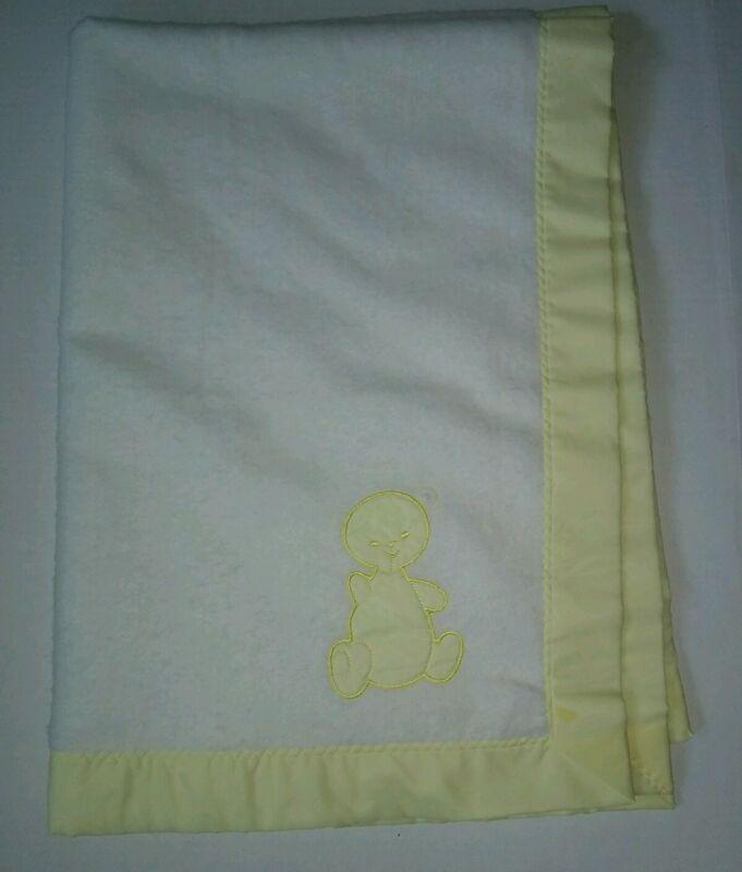 vtg Chatham baby blanket yellow white bear nylon trim acrylic one stain 35 x 50