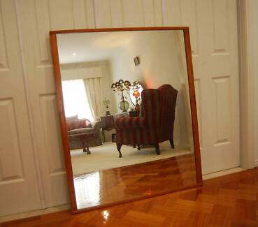 RETRO MIRROR WITH TEAK FRAME IN EXCELLENT CONDITION