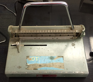 Binding Machine set for plastic combs