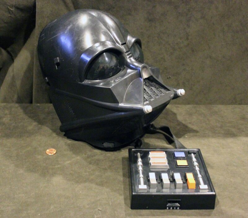 Details about 2004 Lucas Films Hasbro Darth Vader Helmet/Mask + Voice Sound  Effect Box, Works