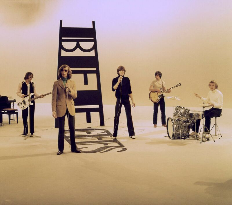 THE BEE GEES - MUSIC PHOTO #28